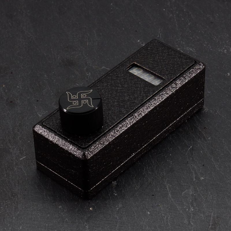 textured black DearConcubine